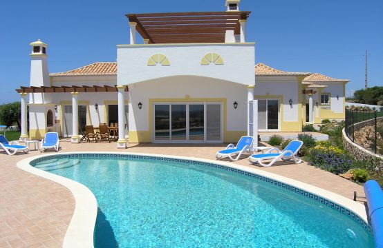 3 bedroom villa -open to offers